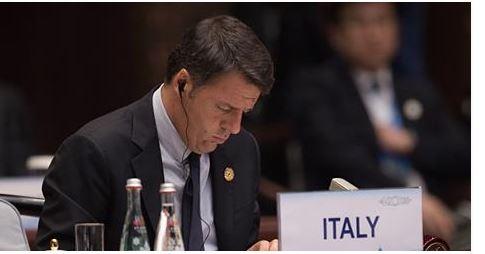 """Renzi sfida (ancora) gli italiani: """"Ecco cosa vi aspetta se votate no al referendum…"""""""