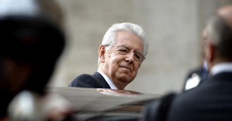 L'Iva aumenterà ancora, lo ha deciso Monti: Ecco come ha fatto a mettere gli italiani spalle al muro